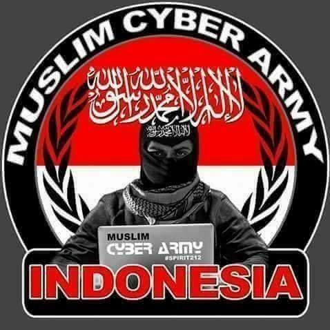 印尼警方2月28日宣布,已逮捕「穆斯林網路軍」14名成員,他們被指製造假新聞,煽動對佐科威政權的仇恨。(截自穆斯林網路軍Facebook)