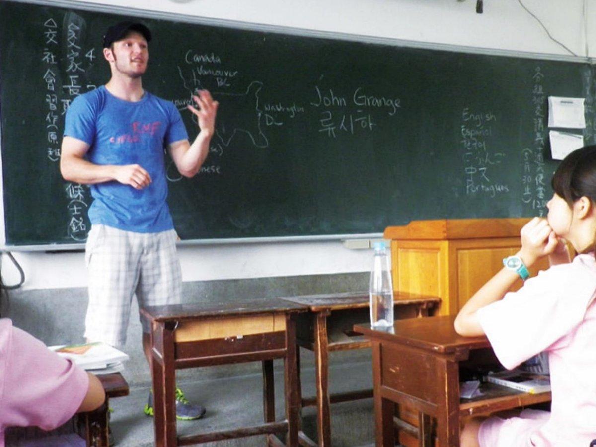 「可是講錯很丟臉」國中生面對外籍老師卻遲遲不開口,他一句回答突破教育最大問題