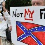 南卡槍擊案之後店家忙清除南方聯盟旗幟