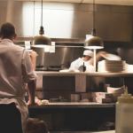 「打掃清潔都做不好,不要說你會做料理!」想當出色的廚師從打掃、洗碗開始