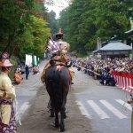 在日本神社祭典邂逅武士的騎射技藝,一場華麗與刺激的傳統儀式