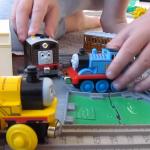 家有鐵道迷小孩嗎?一起動手做牛奶紙盒電車,超省錢簡單!
