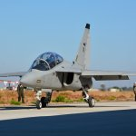 高教機軍購案》推銷M346教練機 義國首邀台媒參訪機密空軍基地