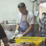 台南人最怕被媒體報導的早餐店!半夜2點批到「尚青ㄟ魚貨」,5點開賣就大排長龍