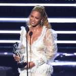 天后碧昂絲力挺黑人民權 邀兒子遭警殺害的黑人母親出席MTV頒獎盛會