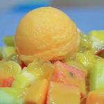 台南人特殊吃食文化,營業至凌晨的水果店…相傳飯後吃水果是日本人帶來的觀念?