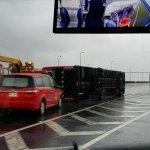 梅姬颱風肆虐,國道遊覽車遭強風吹翻3日客輕傷