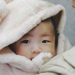 孩子一哭就該馬上過去抱?日本精神科醫師岡田尊司這樣說…