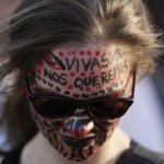 姐妹們站出來!一名遭強暴的阿根廷少女之死 點燃全拉丁美洲女性的怒火