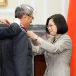 獲蔡總統綬勳,萬國成:期盼台美合作,找出台灣國防優先要務