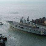 英國退役航母「卓越號」開始最後告別之旅