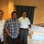 好麻吉?日相安倍晉三訪菲律賓總統杜特蒂老家 參觀臥房、享用菲式點心