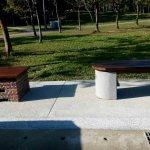 這座公園的座椅好特別 災害發生時可以當爐灶煮食物!
