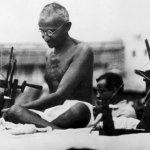 亞馬遜賣甘地頭像拖鞋 再次惹毛印度