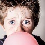 口香糖讓補蛀牙的材料釋毒素?嚼了就不必刷牙?謠傳已久5大傳說,科學講明白