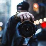 30年前偶然在街頭拍下的人,現在變成什麼樣子呢?這位攝影師這樣用鏡頭說故事