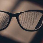 小小的字總是看不清楚很困擾?丹麥神奇視力自癒法,每天15分鐘弱視閱讀練習方法!