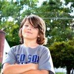 「男生怎麼玩毛線?」當小孩受外界閒言閒語時,父母如何保護他?心理師建議3步驟