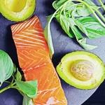 為何西餐廳煎鮭魚總是比在家做的好吃?主廚分享料理秘訣,附帶超簡易醬汁作法!