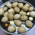 茶葉蛋「綠綠的」能吃嗎?食藥署這樣說…