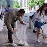 「看過這景象,你就不敢再亂丟垃圾了!」年輕人挺身而出,還地球清爽的面貌