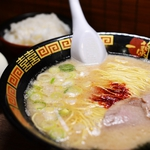 明明比一蘭拉麵好吃的店還很多,為何台灣人去日本都愛擠這家?名作家道出真相