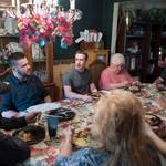 餐桌上的不速之客!臉書創辦人祖克柏來做啥?