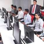 為何在印度,95%的理工畢業生「不值得被錄用」?原來印度教育問題和台灣那麼像…