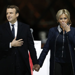 馬克宏成法國史上最年輕總統 但焦點全在她身上:新科第一夫人布莉姬特