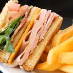 台灣有世界出名的小籠包,英國則有「最偉大的方便食品」!