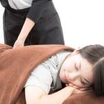 容易閃到腰的人,可以躺著做這3動作!舒展腰部、背部肌肉放鬆筋膜
