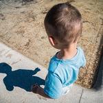 被性侵後,介紹自己弟弟給強姦者凌辱…這位男孩的故事告訴你利用權勢性侵者多可惡