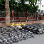 端午連假拒馬也「休息」警方今天將移除青島東路拒馬