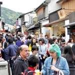 既有氛圍消失、巴士擠滿人 外國遊客暴增京都居民悲鳴