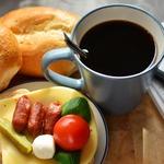 改變負面情緒從吃對早餐開始!營養師:6種能讓人變快樂的營養素,這樣吃就對了