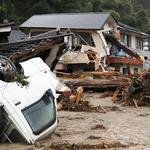 整個月的雨量半天「炸」完!日本九州豪雨成災,近52萬居民避難