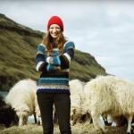 Google不來沒關係!羊也會拍照!她請綿羊做攝影師,拍下隱世群島的絕美風光