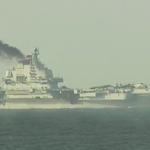 一脈相承的「燒煤船」?遼寧艦訪港噴黑煙,與俄國航母出征如出一轍