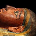 磨碎人類遺體製成顏料,為取得理想顏色不惜手段…風行歐洲畫壇的駭人「木乃伊棕」