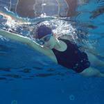 月經來可不可以使用棉條、月亮杯,照常去游泳?婦產科醫師提出嚴正警告