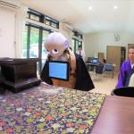 你能接受機器人法師在喪禮上誦經嗎!日本推「IT葬禮」