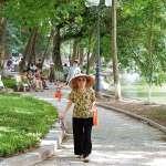 為何現代社會中,越來越多老人到子女家照顧孫子?大學教授一語道破背後原因