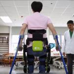 幫癱瘓傷友「站」起來!研發機器輔具、壓低售價,他創業助人擺脫輪椅,自由行動!