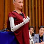 機械公敵成真?全球最美AI機器人竟趕赴聯合國,直指人類明明清楚、卻不思悔改的過錯…