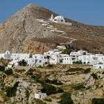 老闆不開店跑去曬太陽、村民永遠懶洋洋…希臘海島的悠哉氛圍實在令人羨慕
