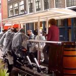 妨礙交通、噪音擾民、醉客行為猥褻 荷蘭「運河之都」阿姆斯特丹正式禁止「啤酒自行車」上路