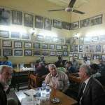 曾遭遇自殺式炸彈攻擊,完全被炸毀…這間咖啡館劫後重生,成為知識分子的聚集地
