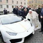 感恩教宗,讚嘆教宗》教宗獲贈藍寶堅尼超跑 簽名加持後捐出拍賣做慈善