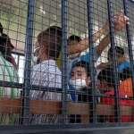 泰國版刺激1995!20名維吾爾族囚犯「雨夜挖牆」順利逃獄