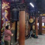 天天燒香拜佛就是迷信嗎?他清晨走訪這些大廟,意外看見台灣最有人情味的風景